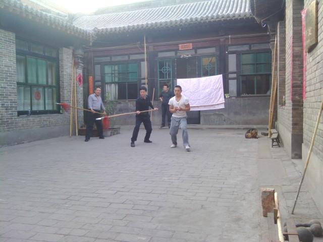 Song Baogui shibo overseeing practice